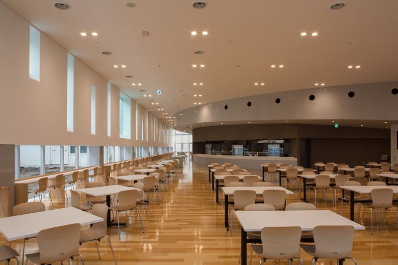 総合病院国保旭中央病院職員食堂棟(2)